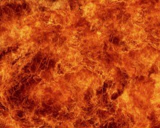الدفاع المدني يسيطر على حريق كبير بمستودع مواد بترولية بجدة