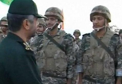 الحرس الثوري يهدد «دول» حال منع بيع النفط الإيراني