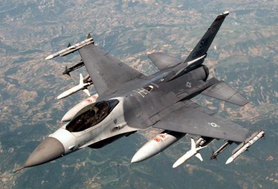 سقوط طائرة حربية بتبوك ونجاة قائدها