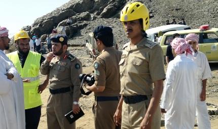 الدفاع المدني يعثر على ثلاثة شبان تاهوا بصحراء ابونجيلة