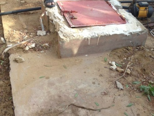 «شرطة بريدة» تحقق في وفاة إمرأة سقطت بخزان مياه بمنزلها