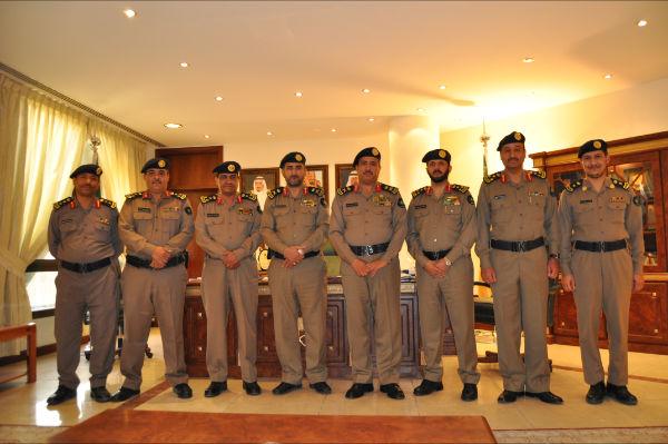 اللواء الصخيري يقلد الضباط المترقين بمدني الرياض رتبهم الجديدة