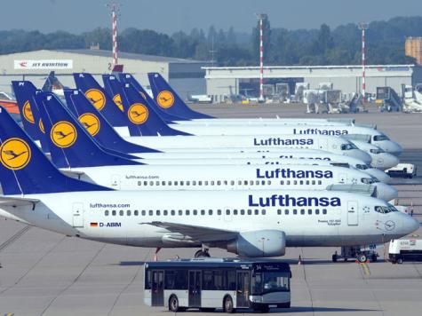 إصابة مطارين في ألمانيا بالشلل بسبب إضراب موظفي التفتيش الأمني