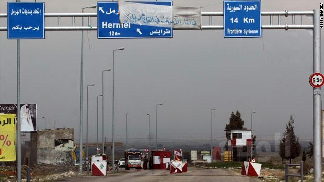 قذائف ذات رائحة غريبة تقلق سكان بلدة لبنانية حدودية