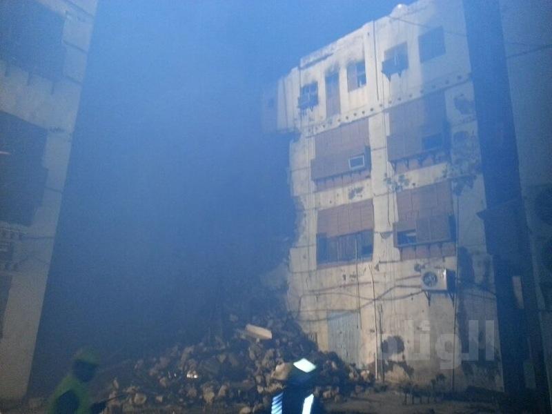 انهيار جزء من مبنى بالمنطقة التاريخية بجدة