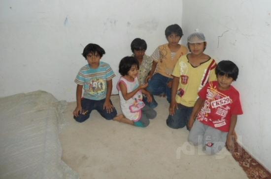عائلة هندية تجبرها ظروفها البقاء بالأفلاج أكثر من (20) عاماً