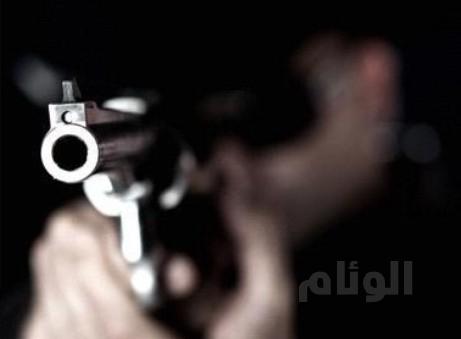 مواطن يردي أخر قتيلاً ويلحق بإبنه إصابات بليغة