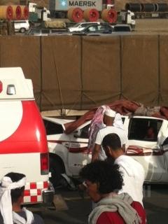 بالصور: إصابة 8  أفراد من  عائلة سعودية في تصادم ثلاث سيارات