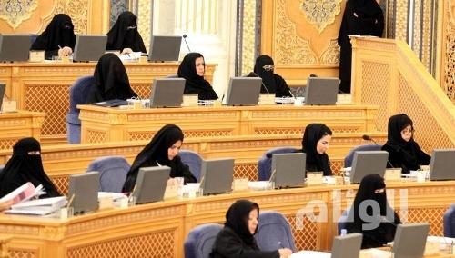«الشورى» يطالب باجراءات للحد من تصرفات السُيّاح السعوديين