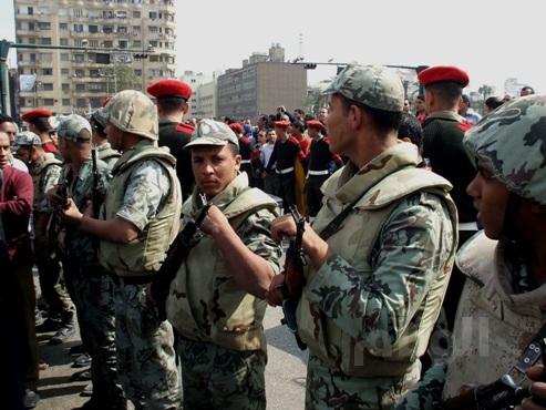 احباط محاولة لتهريب ملابس شبيهة بزي الجيش المصري إلى ليبيا