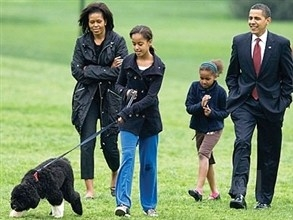 أوباما يرفض لابنتيه الوشم وزوجته تقول: أنا عزباء