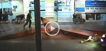فيديو حزين.. شاب يقتل والده دهسا لحظة خروجه من المستشفى بالخطأ