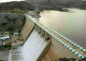 فيضان سد وادي العقيق للمرة الأولى بعد 26 سنة من إنشائه