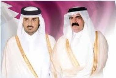 أنباء عن قرب تنازل أمير قطر عن السلطة لابنه تميم ولي العهد