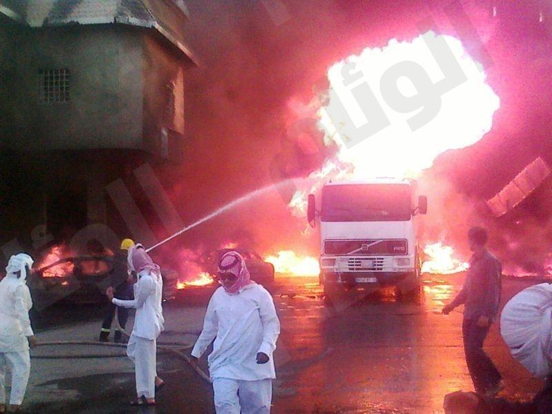 بالفيديو.. حريق هائل بمحطة وقود في نجران