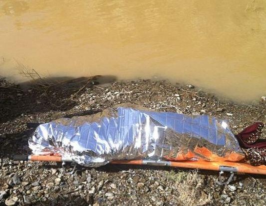 صورة.. فرق الدفاع المدني تعثر على جثة غريق الباحة