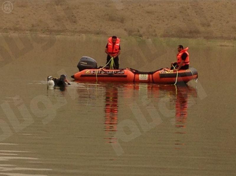"""""""مدني"""" جازان ينتشل جثة غريق من بحيرة سد وادي بيش"""