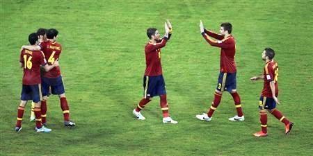 تأهل منتخب أسبانيا إلى الدور النصف نهائي من كأس القارات
