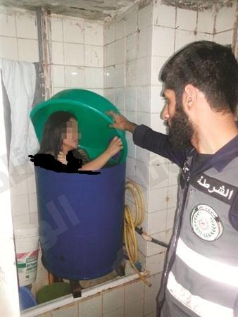 """بائعة هوى داخل برميل في حملة أمنية كويتية على أوكار الرذيلة """"صورة"""""""