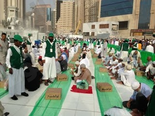 «٥٠٠» ألف وجبة إفطارصائم و«٢٠٠» وظيفة للأسر المستفيدة من تراحم مكة