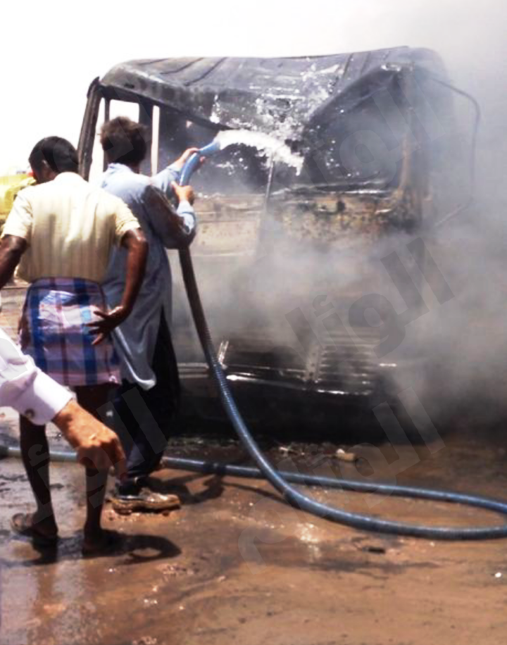 سوء تصرف سائق شاحنة يتسبب باندلاع حريق في 3 شاحنات بالقصيم