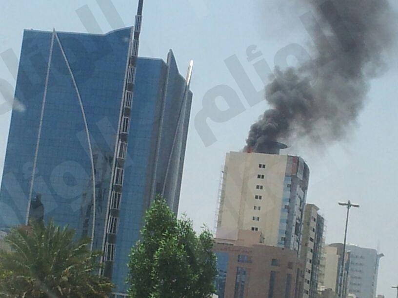 «بالصور».. إخماد حريق  في فندق تحت الإنشاء بعزيزية مكة ولا إصابات
