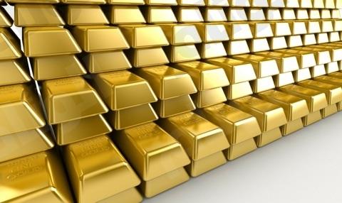الذهب ينخفض دون 1400 دولار
