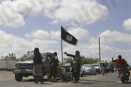مقتل سعوديان من القاعدة يرتدون ملابس نسائية في اليمن