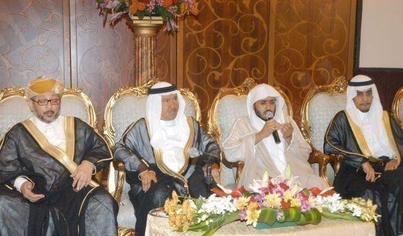 بالصور .. الفنان محمد عبده يحتفل بزواج ابنته