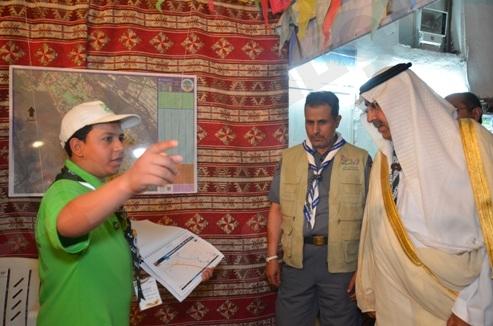 وزير التربية يزور أفراد الكشافة العاملين بمعسكرات الخدمة العامة