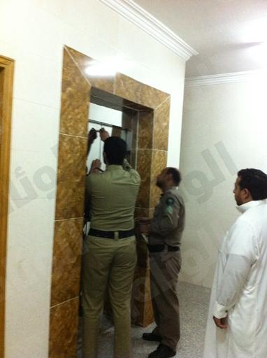 احتجاز شخص بمصعد كتابة العدل اﻻولى«الجديد»ببريدة