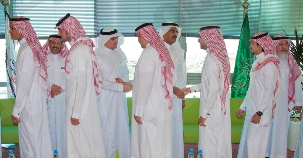 السعودية للكهرباء تعايد منسوبيها بالأضحى المبارك