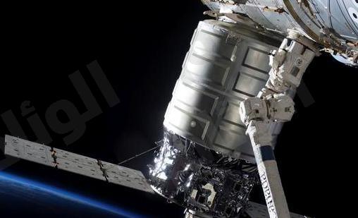 ناسا: اكتشاف مياه بسطح القمر