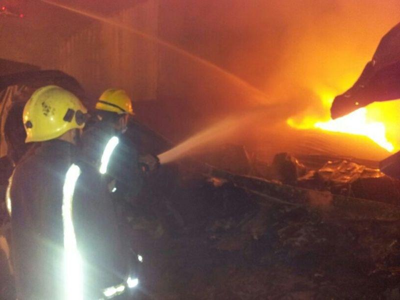 «14» فرقة من الدفاع المدني تخمد حريق مجزرة المعيصم