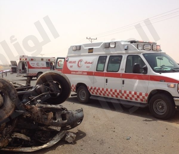 ثلاث اصابات احداهن خطرة في حادث سير بطريق القصيم