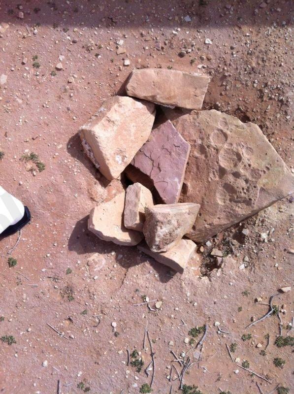 بالصور ..العثور على بئر مكشوفة بمنطقة للتنزه بساجر