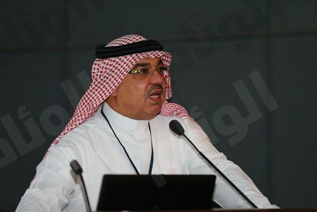 د.فيصل شاهين،مدير عام المركز السعودي لزراعة يلقي كلمتة  الأعضاء