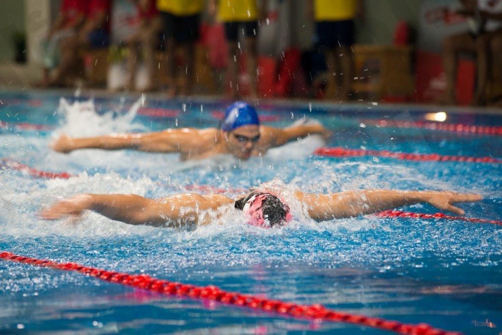 وقت اللياقة يختتم بطولته الأولى للسباحة