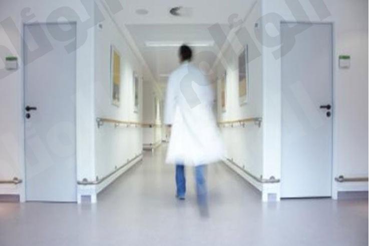 بعد اكتشافه لخلل في ثلاث مستشفيات ..مغردون : اخرجوا الصحفي وحاسبوا الصحة
