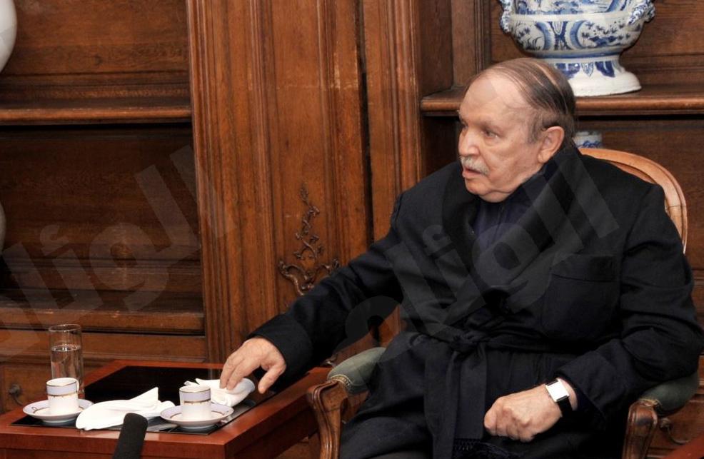 """""""وعكة بوتفليقة"""" تؤجل زيارة ميركل للجزائر"""