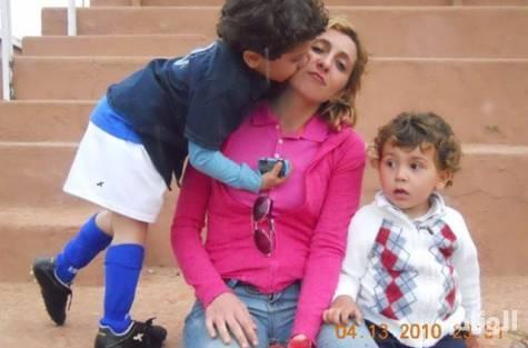 أمريكية من أصل مغربي : طليقي خطف ولديّ إلى السعودية بعد أن شك بنسبهما