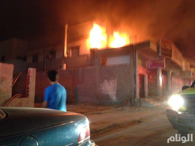 إصابة شخصين جراء اندلاع حريق بشقة في المدينة