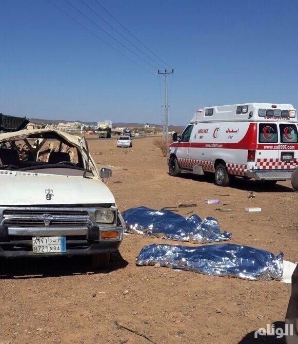 مصرع وإصابة 4 عمال في حادث على طريق كرا – العقيق
