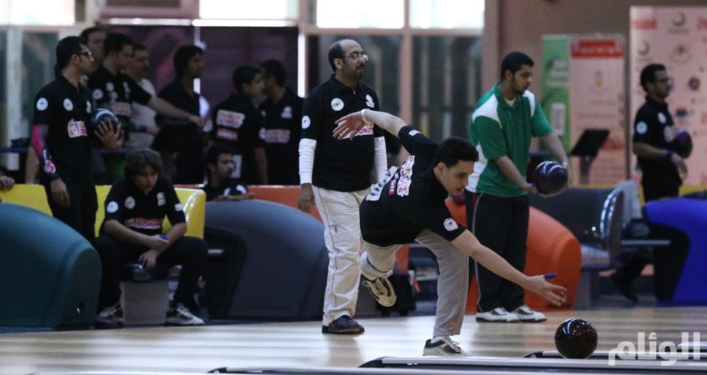 آل الشيخ يتأهل للدور النهائي في بطولة المملكة للبولينج
