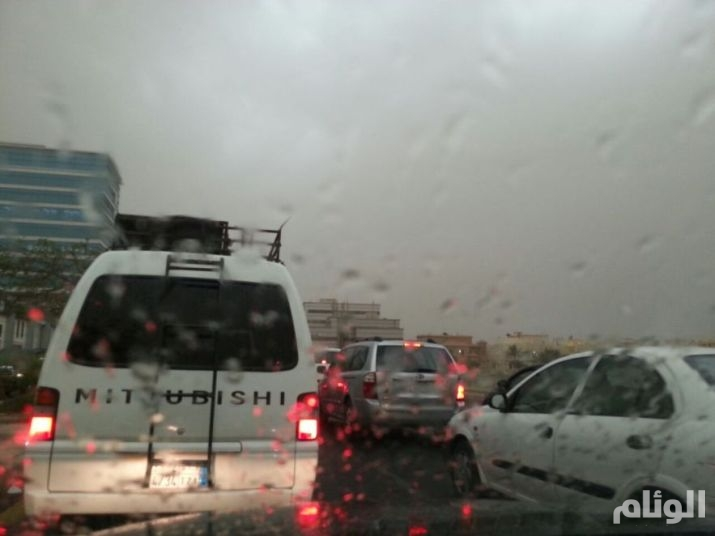 بالصور أمطار غزيرة تعرقل الحركة IMG-20141116-WA0073.