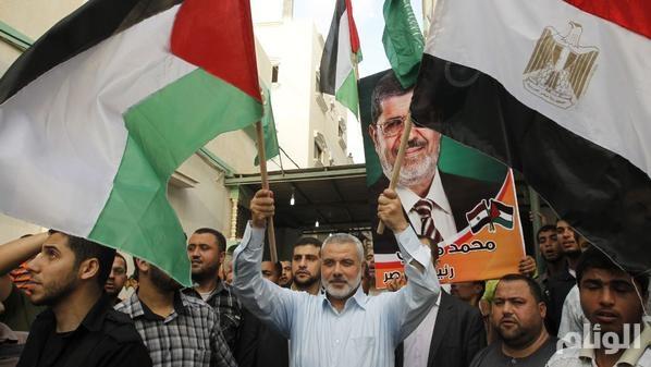 """محكمة مصرية : حماس """"ارهابية"""" والمؤبد لـ """"مرشد الاخوان"""""""