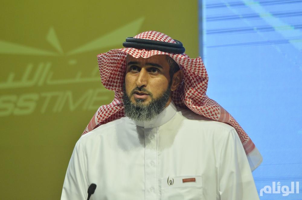 عبدالمحسن الحقباني اثناء القاء كلمته