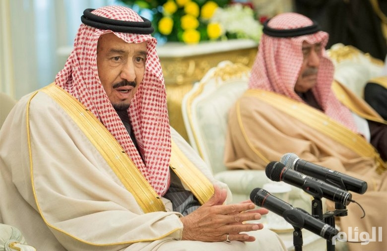 الملك سلمان لضيوف مؤتمر الاسلام : سُمينا بـ«خادم الحرمين الشريفين» وهذا عز لنا