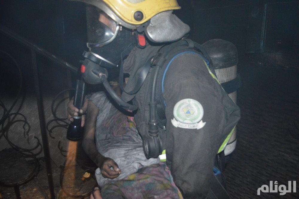 4 وفيات في حريق بحي المتنزهات في جدة