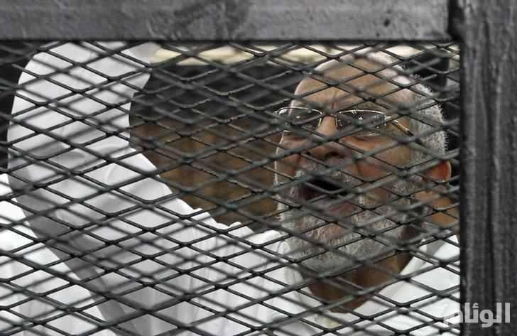 مصر.. المؤبد لمرشد الإخوان في إعادة محاكمته بقضية البحر الأعظم